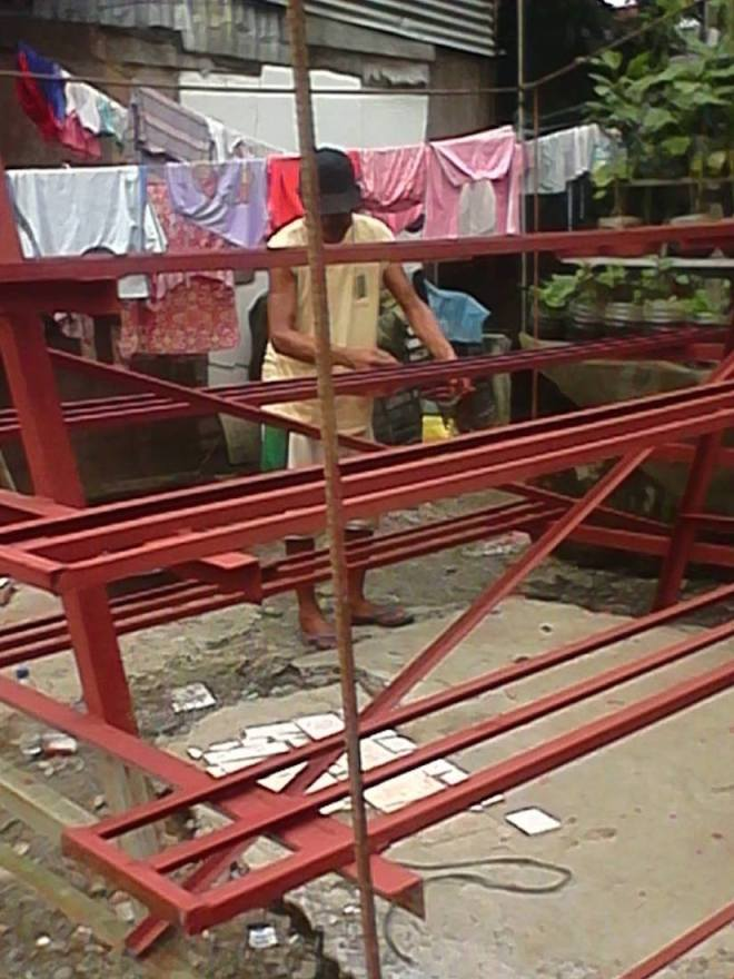 * Constructing a metal riser - A-form - in The Philippines -11218075_1255229134503150_2797106863206369602_n
