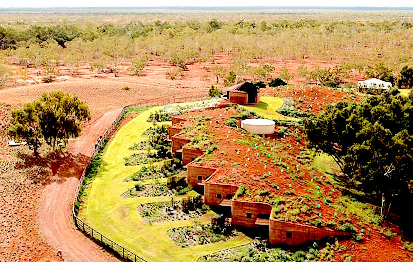Rammed-earth-cattle-ranch-residence-luigi-rosselli-http://media.treehugger.com/assets/images/2015/09/rammed-earth-cattle-ranch-residence-luigi-rosselli-1.jpg.662x0_q70_crop-scale.jpg
