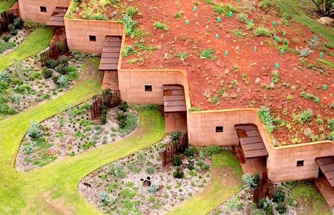 http://media.treehugger.com/assets/images/2015/09/rammed-earth-cattle-ranch-residence-luigi-rosselli-2.jpg.650x0_q70_crop-smart.jpg