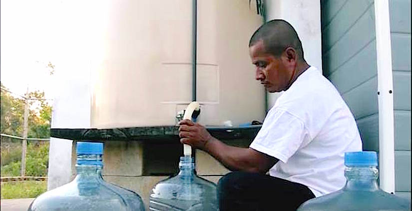Solar-powered water purificationsystem