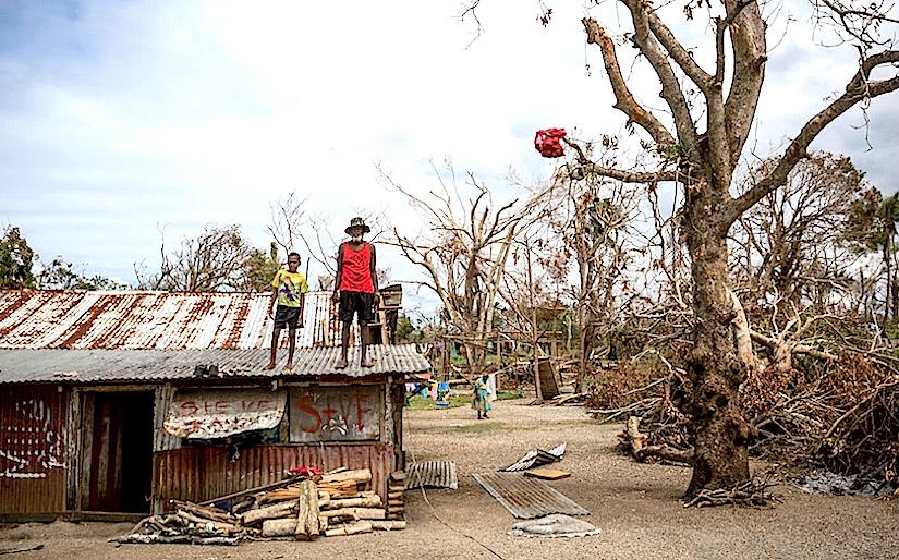 http://static.un.org/News/dh/photos/large/2015/November/11-10-2015Nino_Vanuatu.jpg